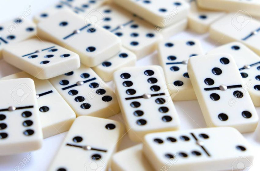 Can I play domino online?