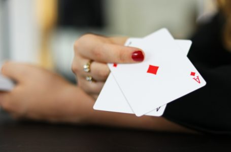 7 Tricks that make your poker fame from average to an amazing one